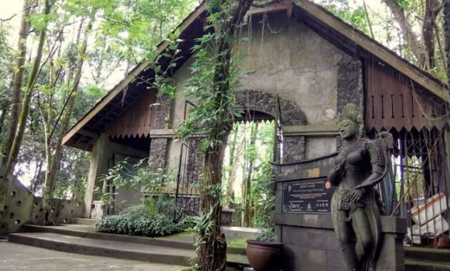 Ullen Sentalu Múzeum Yogyakarta