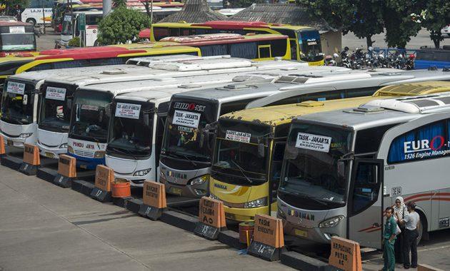 Busz Indonéziában