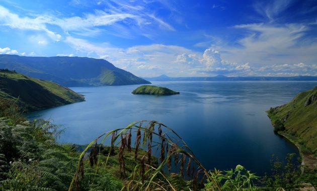 Útmutató a Samosir-szigethez a Toba-tóban, Szumátra, Indonézia