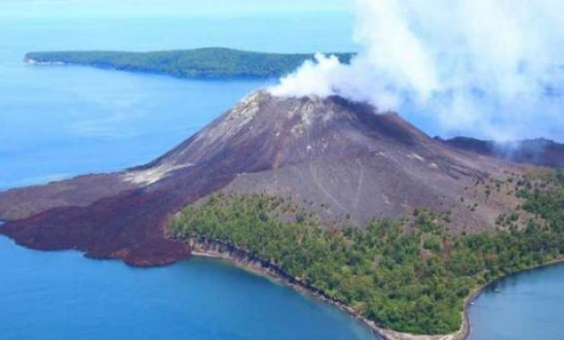anak krakatau trekking