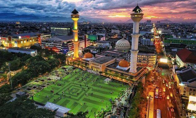 Guida di viaggio per un'indimenticabile Bandung, esperienze in Indonesia