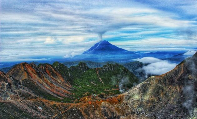 trekking sul monte sibayak